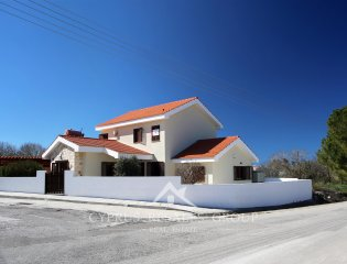 3 Bedroom Villa Provence in Pano Arodes Property Image