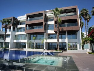 Porto Pafos 6 Bedroom Seafront Apartment  Property Image