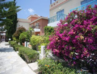 2 Bedroom Sunny Townhouse in Iris Cottages Property Image