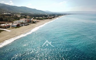 Yialia Beachfront Dream 3 Bedroom Townhouse