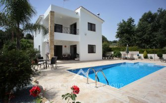 3 Bedroom Villa Dionysos in Stroumbi