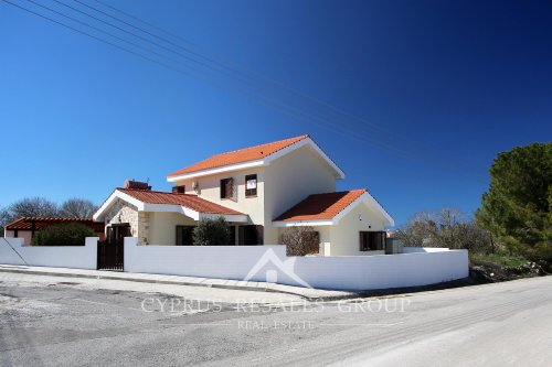 3 Bedroom Villa Provence in Pano Arodes