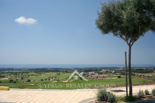 Cyprus has the perfect weather for recreation, and that is not an exception for golf.